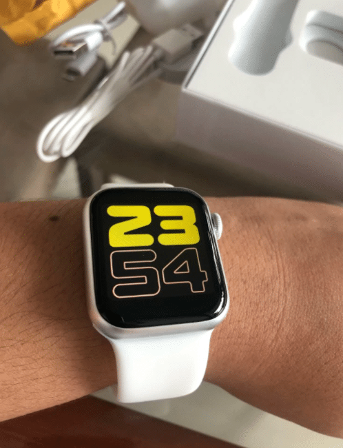 iwo 12 apple watch clone